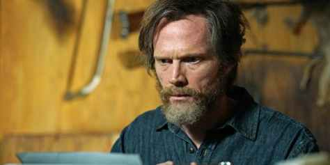 Paul Bettany in Manhunt: Unabomber